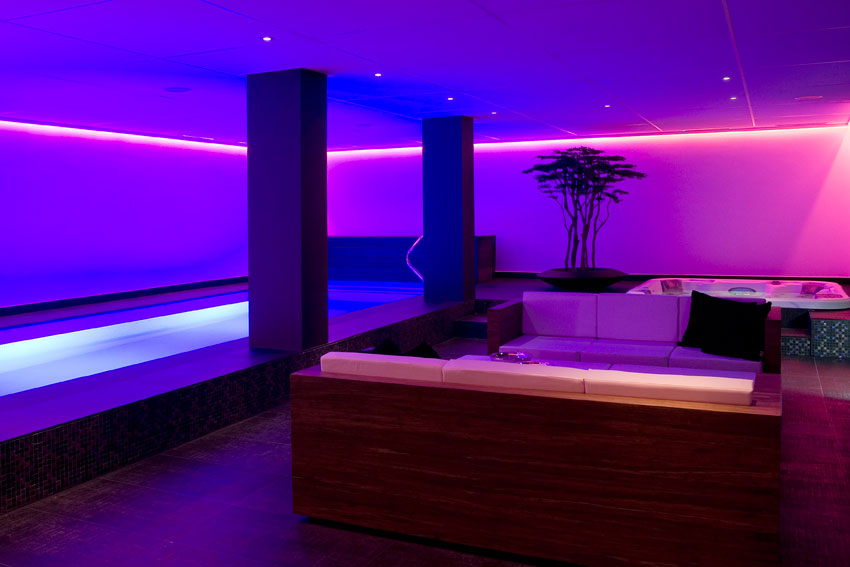 Mist city spa prive sauna glamour finse sauna for Prive zwembad afhuren voor 2 personen